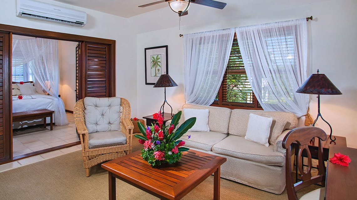 Living room of Plantation Suite at Victoria House Resort and Spa