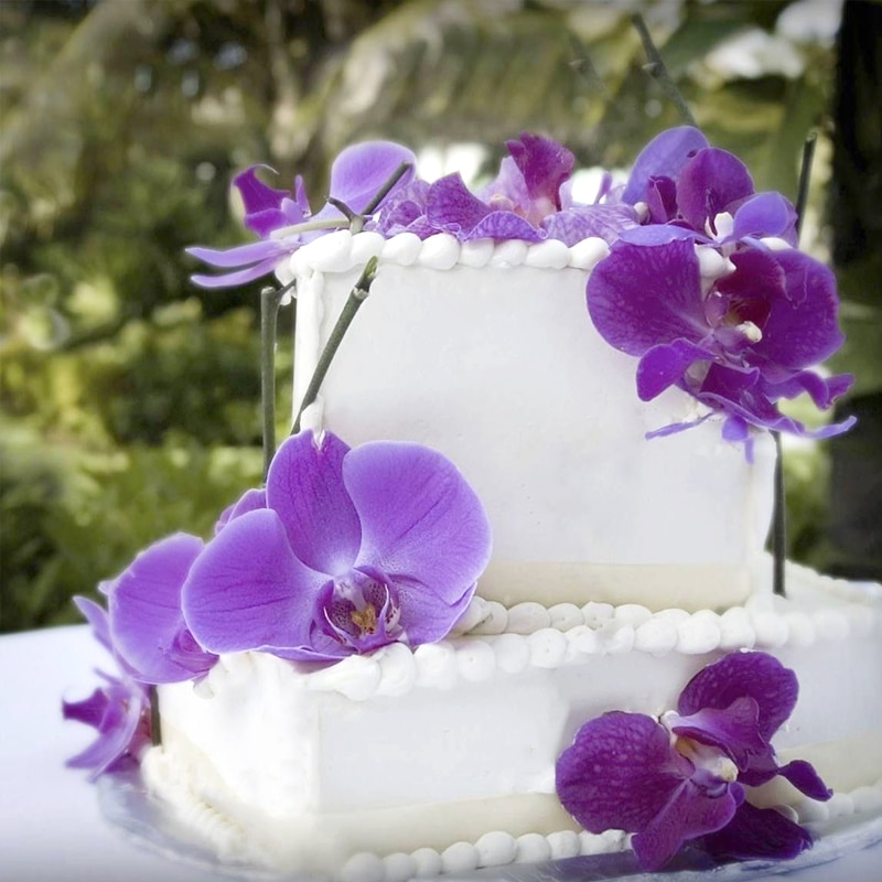 Wedding cake served at Victoria House Resort and Spa